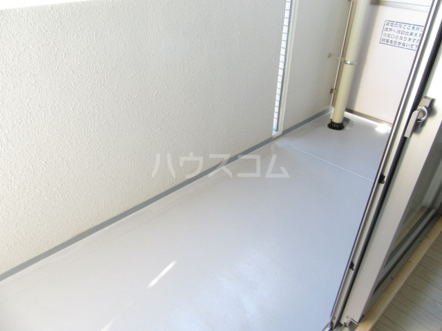 ヴァンベール46 103号室のバルコニー