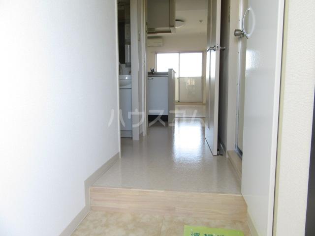 ヴァンベール46 103号室の玄関