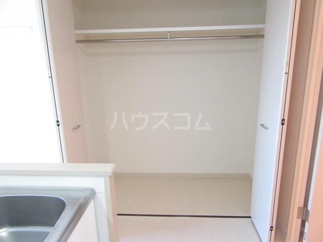 ヴァンベール46 103号室の収納