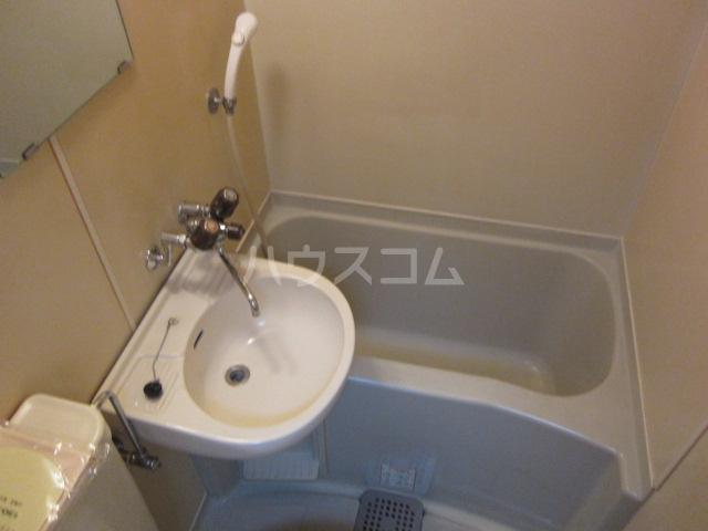レオパレス21高杉 101号室のトイレ