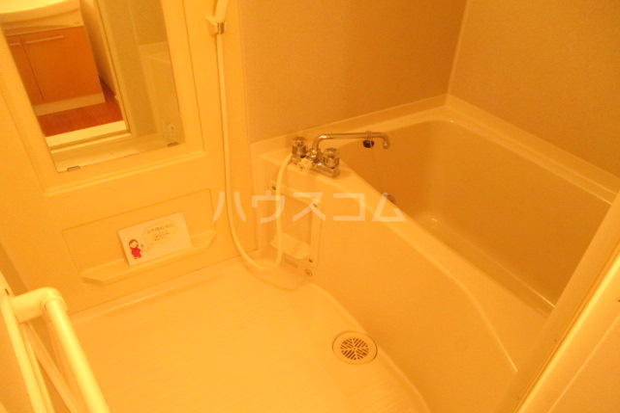 シャルマン・ロージェ T 101号室の風呂