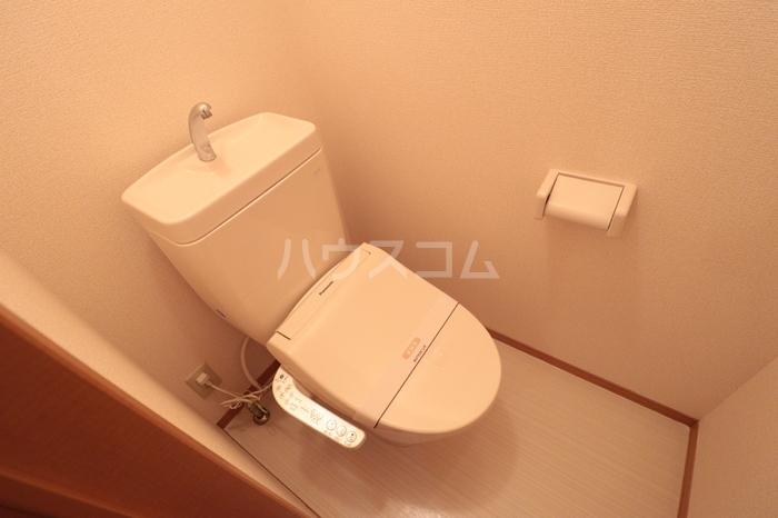 シャルマン・ロージェ T 101号室のトイレ