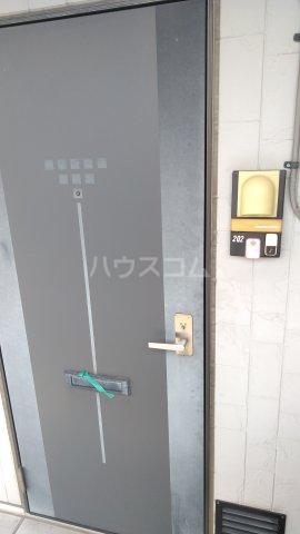 Riverside Satou 202号室のエントランス