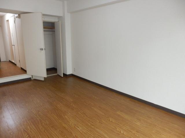 アメニティ鎌倉台 203号室のリビング