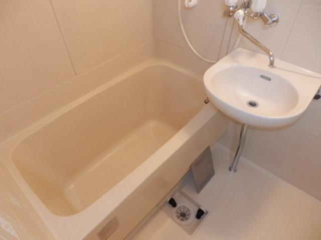 アメニティ鎌倉台 203号室の風呂