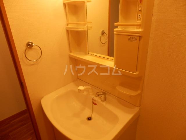 シュプールしのはら 102号室の洗面所