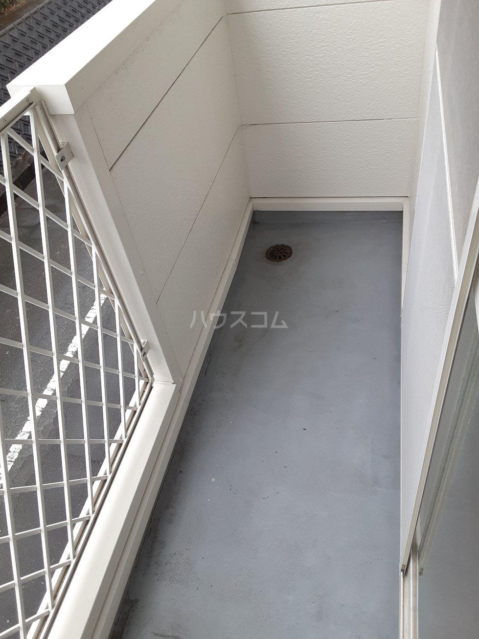 キャッスル・スクエアー 02020号室の駐車場