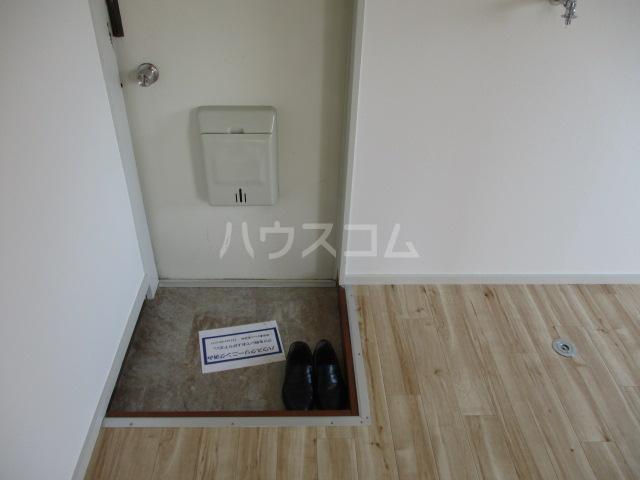 コーポプチ 201号室の玄関
