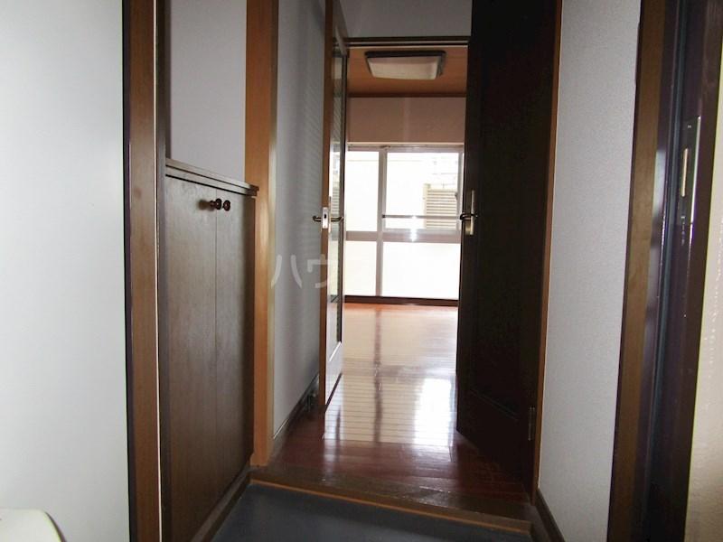 アルコ11 302号室の玄関