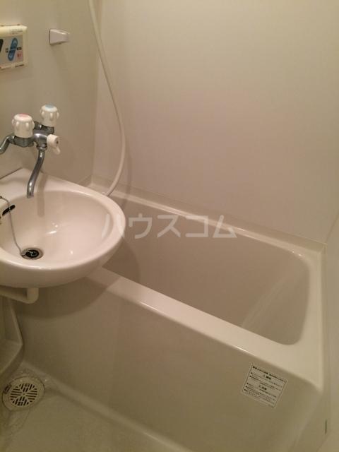 ウエスト井深 301号室の風呂
