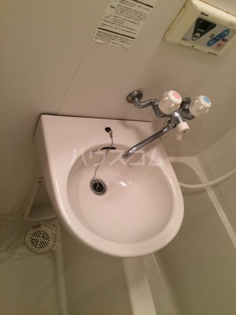ウエスト井深 301号室の洗面所