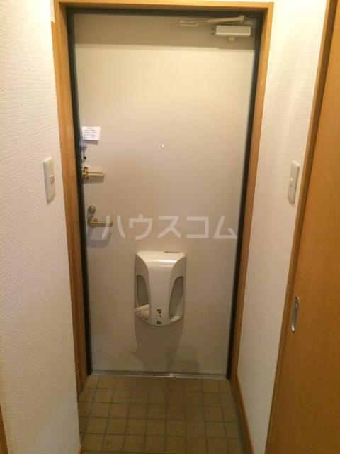 ウエスト井深 301号室の玄関