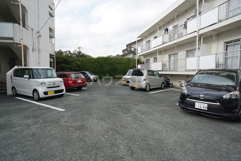 ビレッタ蜆塚S 1-3号室の駐車場