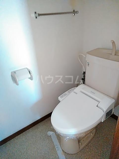 ボヌール上西Ⅱ 303号室のトイレ