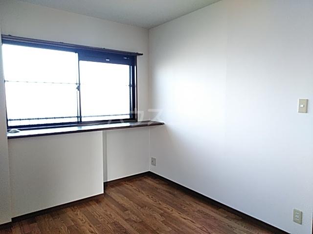 ボヌール上西Ⅱ 303号室のベッドルーム