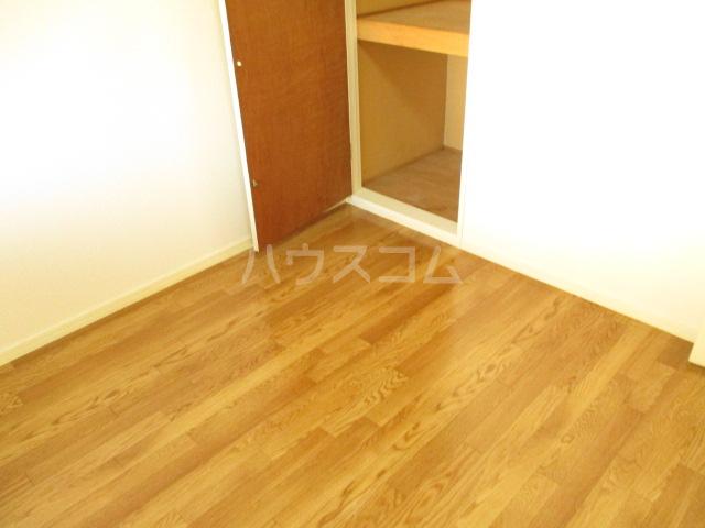 プリオール A 201号室のベッドルーム