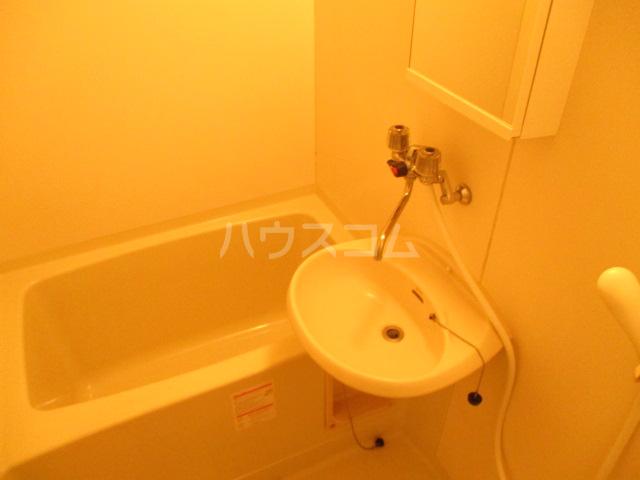 プリオール A 201号室の風呂