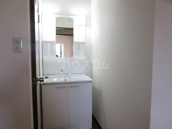 ウィンディホクエンⅠ 310号室の洗面所