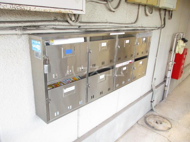 アサヒハイム 301号室の駐車場