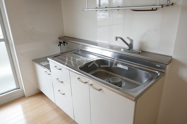 堀越マンション 108号室のキッチン