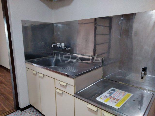 ジュネスコート Ⅱ 205号室のキッチン