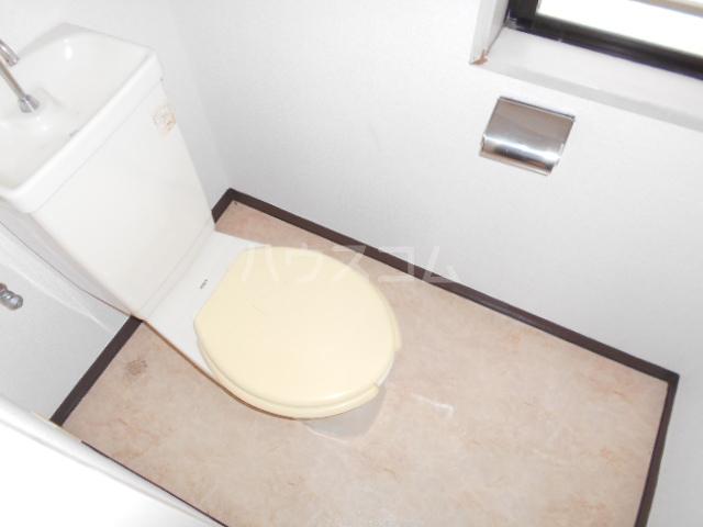 道場北マンション 201号室のトイレ