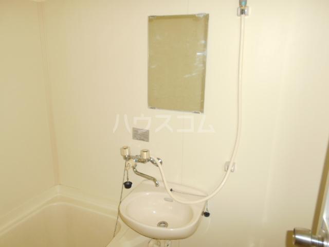 道場北マンション 201号室の洗面所