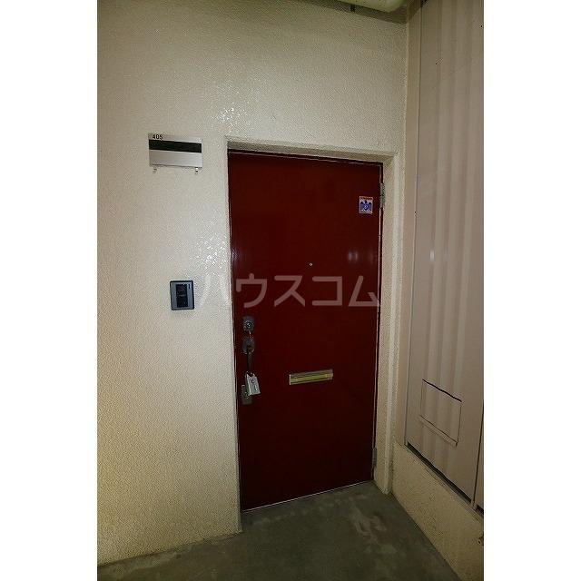 平和ハイツB 405号室の玄関