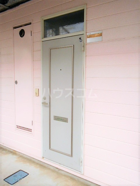 コーポラピット 102号室の玄関
