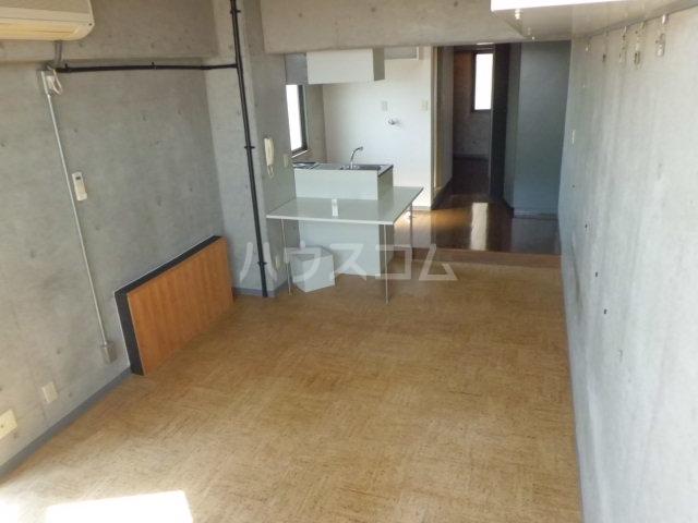 ベレーザ香久山 401号室のリビング