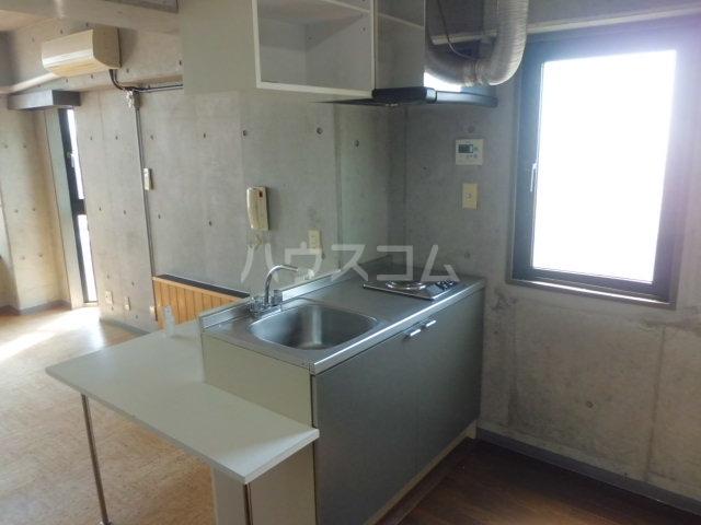 ベレーザ香久山 401号室のキッチン