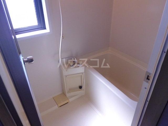 ベレーザ香久山 401号室の風呂