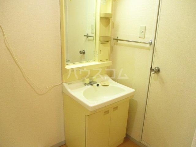 サンヴィラージュA・B A203号室の洗面所