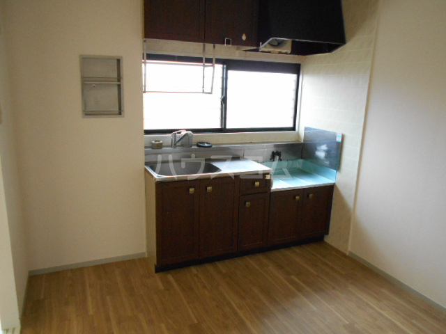メゾンクレール 四番館 202号室のキッチン