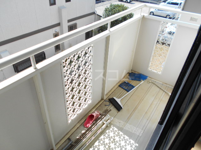 メゾンクレール 四番館 202号室のバルコニー