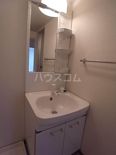 カーサマルコ 202号室の洗面所