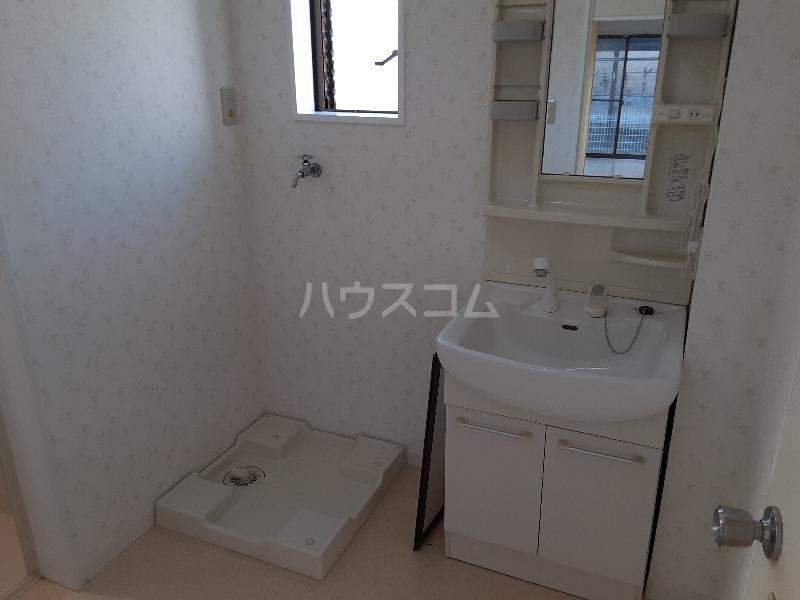 さなるvilla 102号室の洗面所
