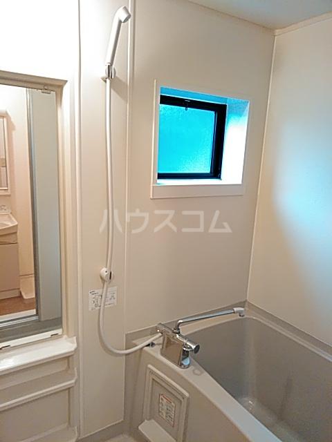 シュクレ住吉 101号室の風呂
