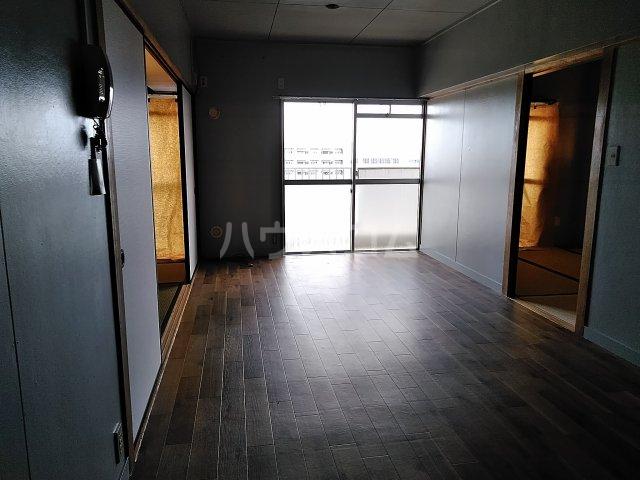 中駒九番団地 8号棟 1415号室のリビング