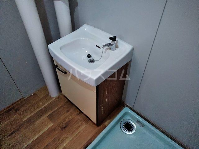 中駒九番団地 8号棟 1415号室の洗面所