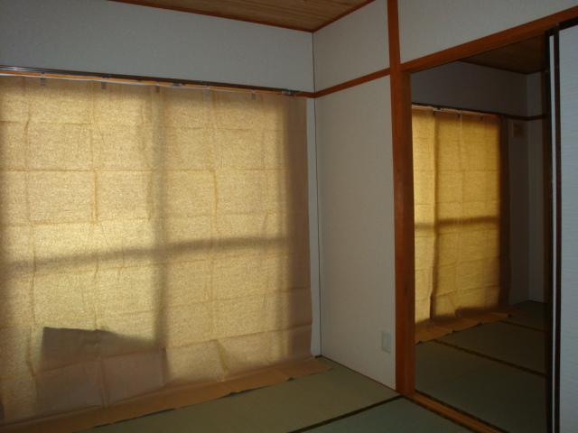 コーポ内山 201号室のリビング