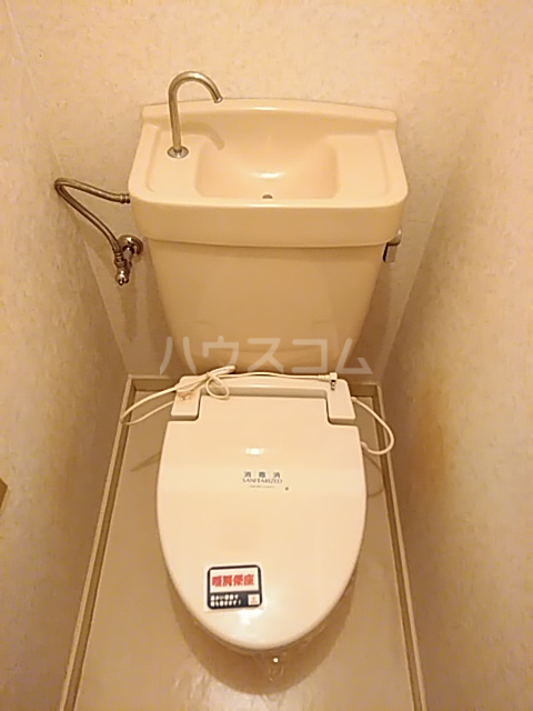 クオリティハイツ上島 301号室のトイレ