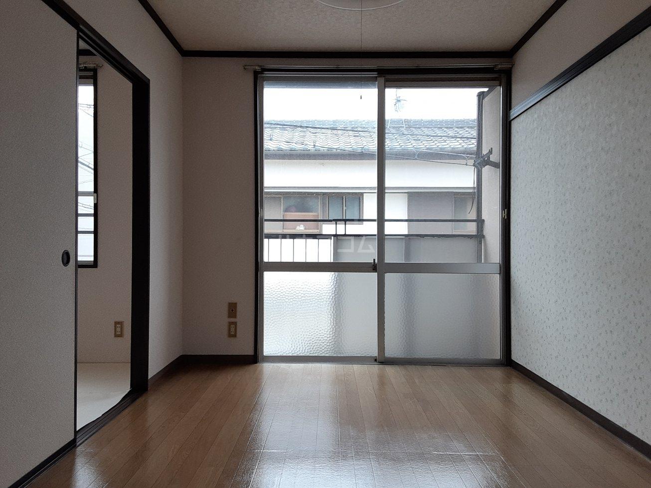フォーブルサフラン A B203号室のリビング