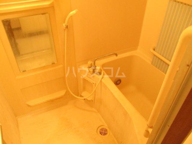 エコガーデン C棟 202号室の風呂