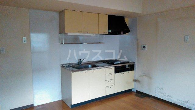 ベルドミール 102号室のキッチン
