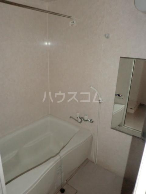 ベルドミール 102号室の風呂