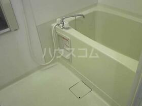 モン・プラティーヌ 102号室の風呂