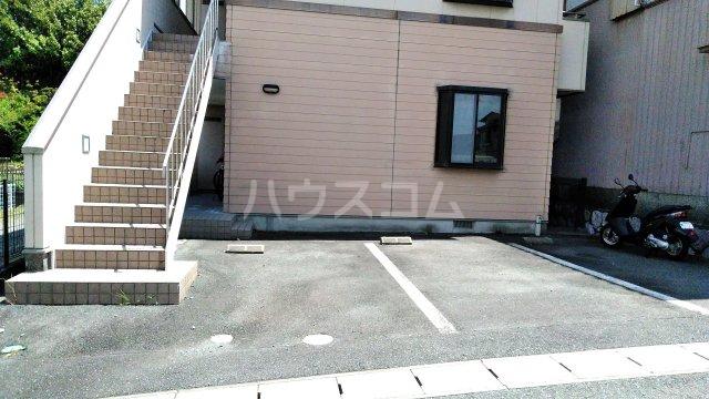 アクア・ベル 101号室の駐車場