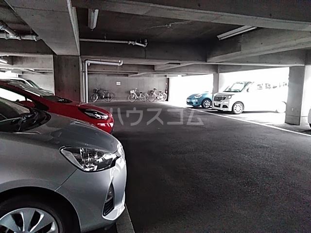 メゾン福谷Ⅰ 401号室の駐車場