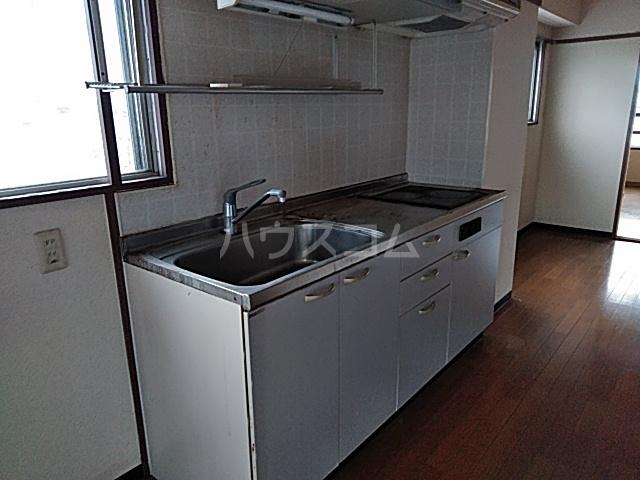 メゾン福谷Ⅰ 401号室のキッチン